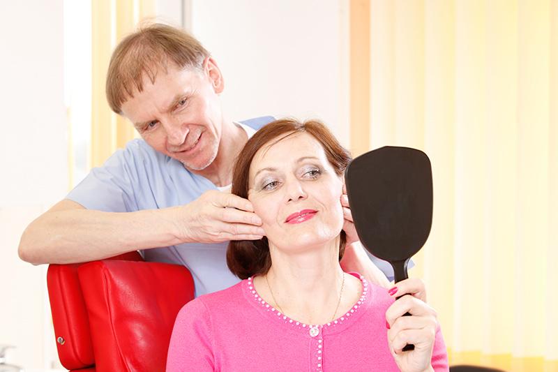 Gesichts- und Halshautstraffung